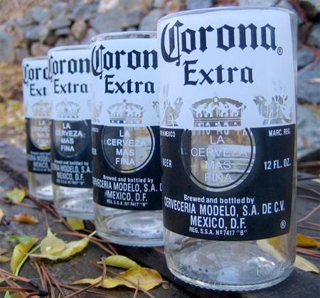 Стаканы из разных бутылок