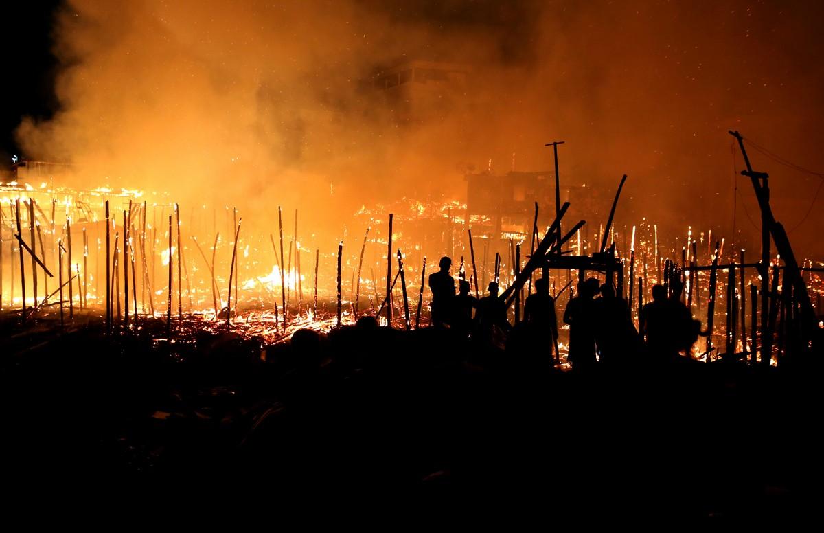 Пожар уничтожил 600 домов на сваях в Бразилии