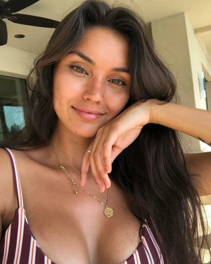 Красивые и милые девушки со всего мира