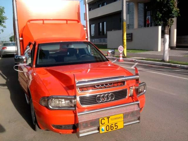 Необычный шестиколесный тягач из седана Audi