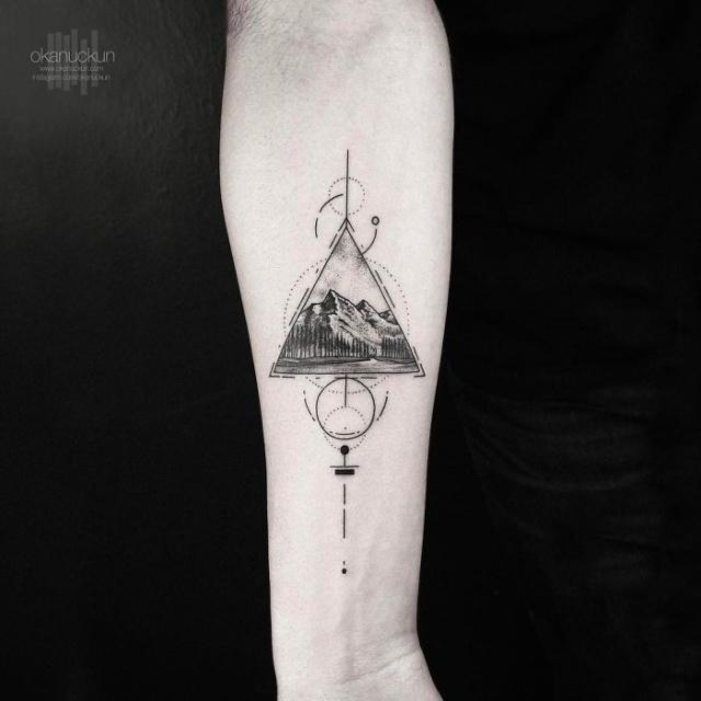 Минималистичные татуировки от турецкого мастера Окана Учуна