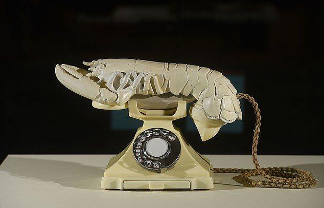 Национальная галерея Шотландии купила телефон-лобстер Дали