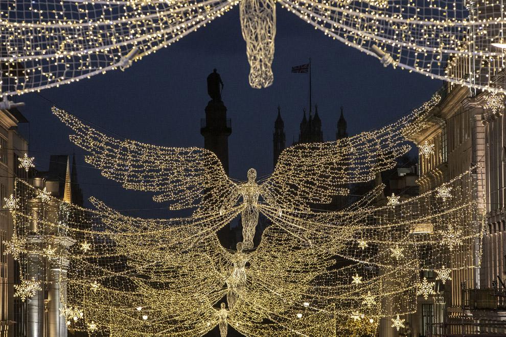 Новогодние и рождественские снимки из разных стран 2018