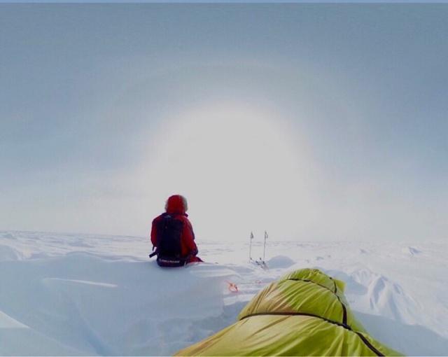 Экстремал Колин О'Брэди пересек Антарктиду в одиночку на лыжах