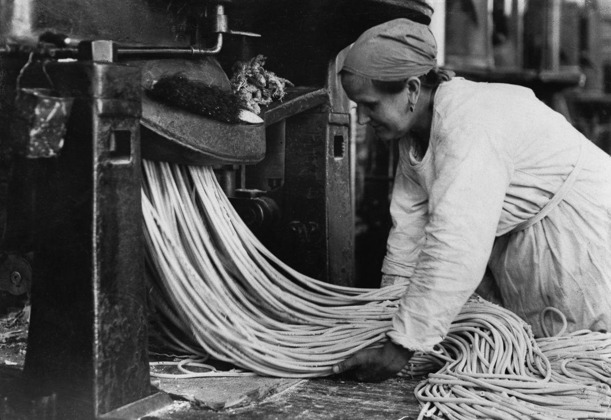 Производство пасты в начале XX века