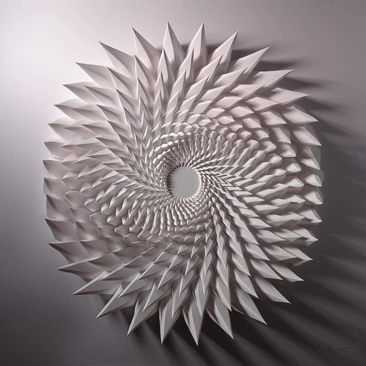 Невероятные трёхмерные мозаики из обычных листов бумаги