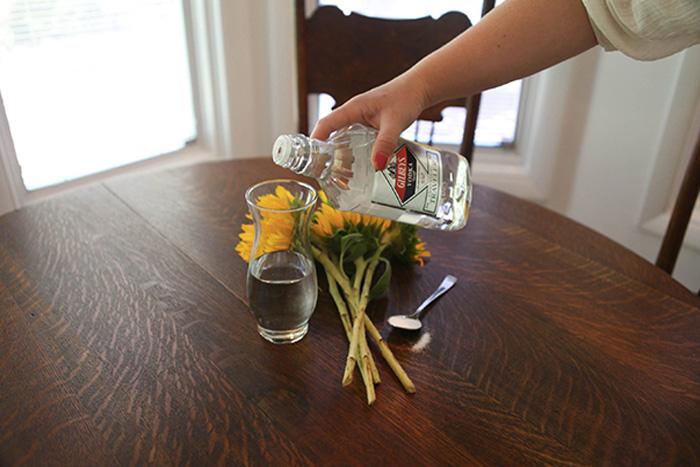 10 способов использования водки в быту
