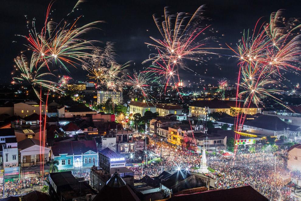 Как прошел Новый год в разных странах мира