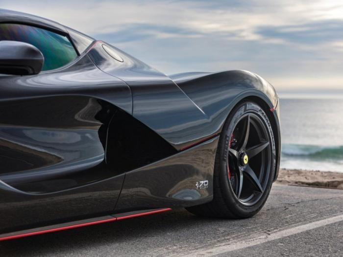 Подержанный суперкар LaFerrari Aperta выставили на продажу