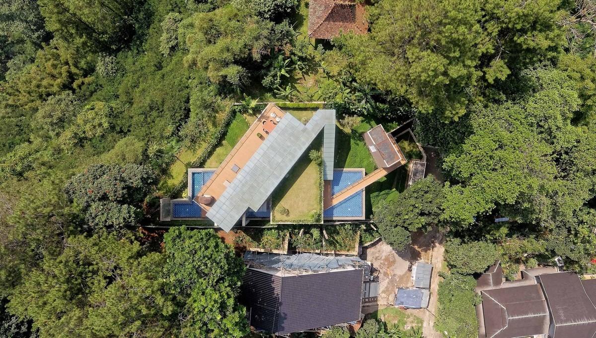 Лесной дом на склоне в Индонезии