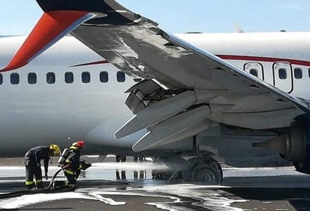 Необычный инцидент во время приземления пассажирского самолета
