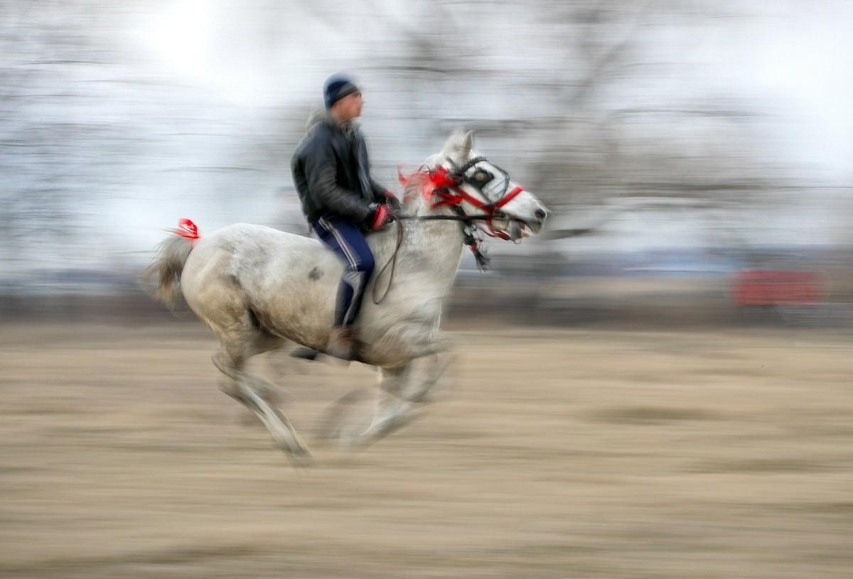 Скачки на Богоявление в румынской деревне