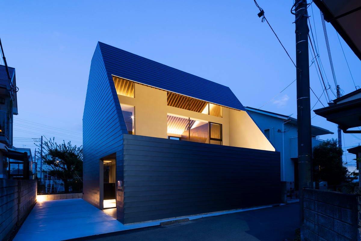 Городской дом с двором в Японии