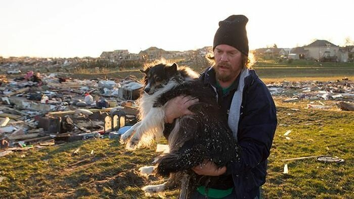 Мужчина отыскал своего друга после урагана
