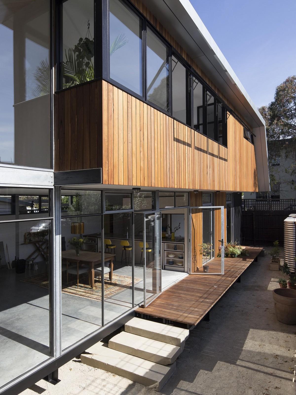 Компактный дом из бывшей автостоянки в Австралии