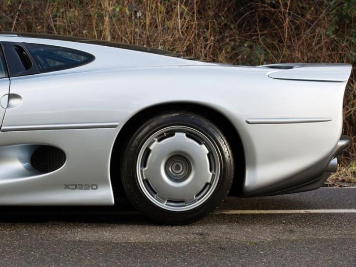 Jaguar XJ220 – не добившийся успеха суперкар