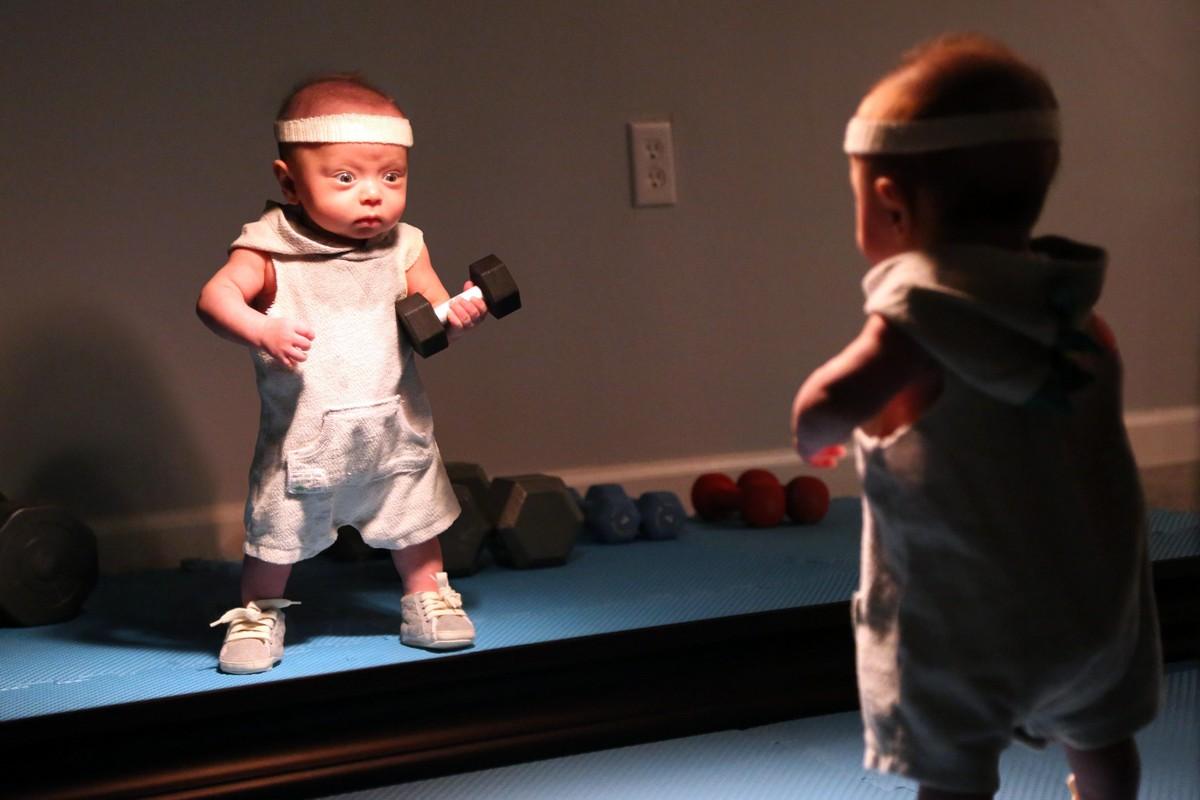 Папа использовал Photoshop: малыш занимается мужскими делами