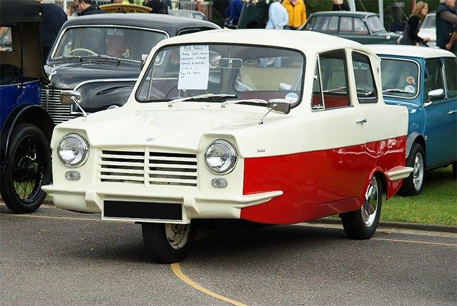 Трёхколёсные автомобили Reliant Regal