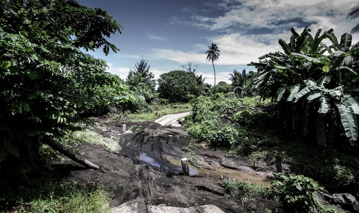 Жизнь на острове с вулканом Манаро-Нгору