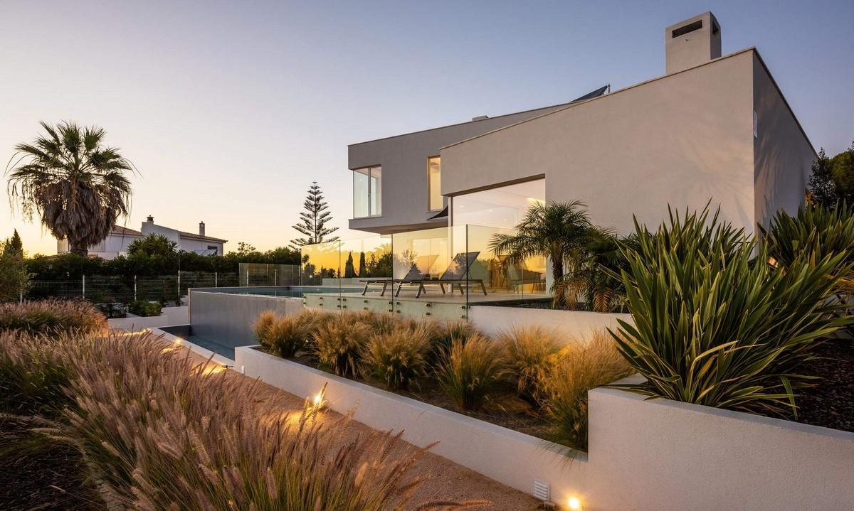 Современная семейная резиденция на юге Португалии