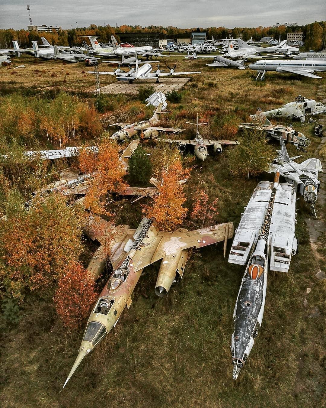 Заброшенные и промышленные объекты на аэрофотоснимках Ланы Сатор