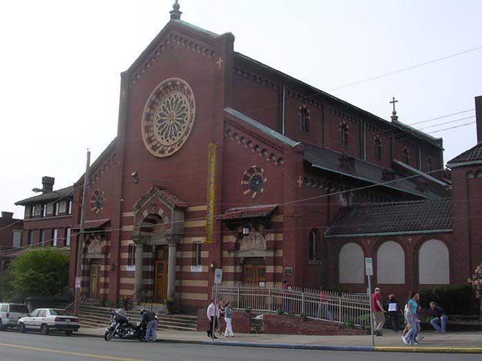 Церкви, которые используются не по прямому назначению