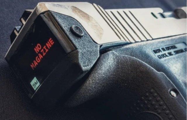 Пистолет Glock 17 с электронным счётчиком боеприпасов