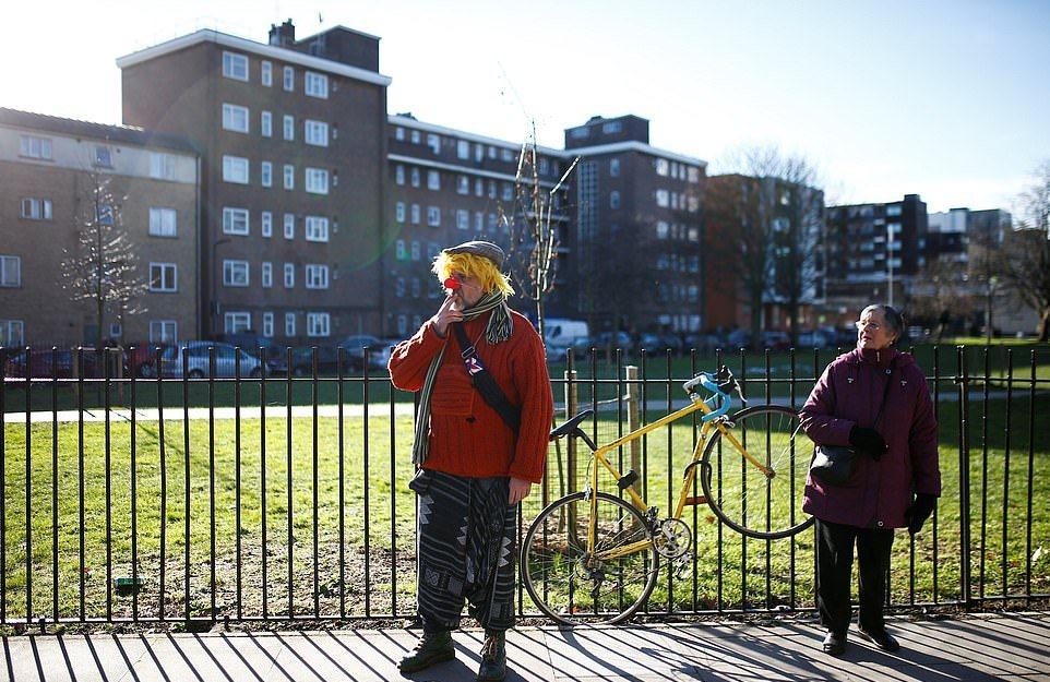Клоуны на ежегодной поминальной службе Гримальди в Лондоне