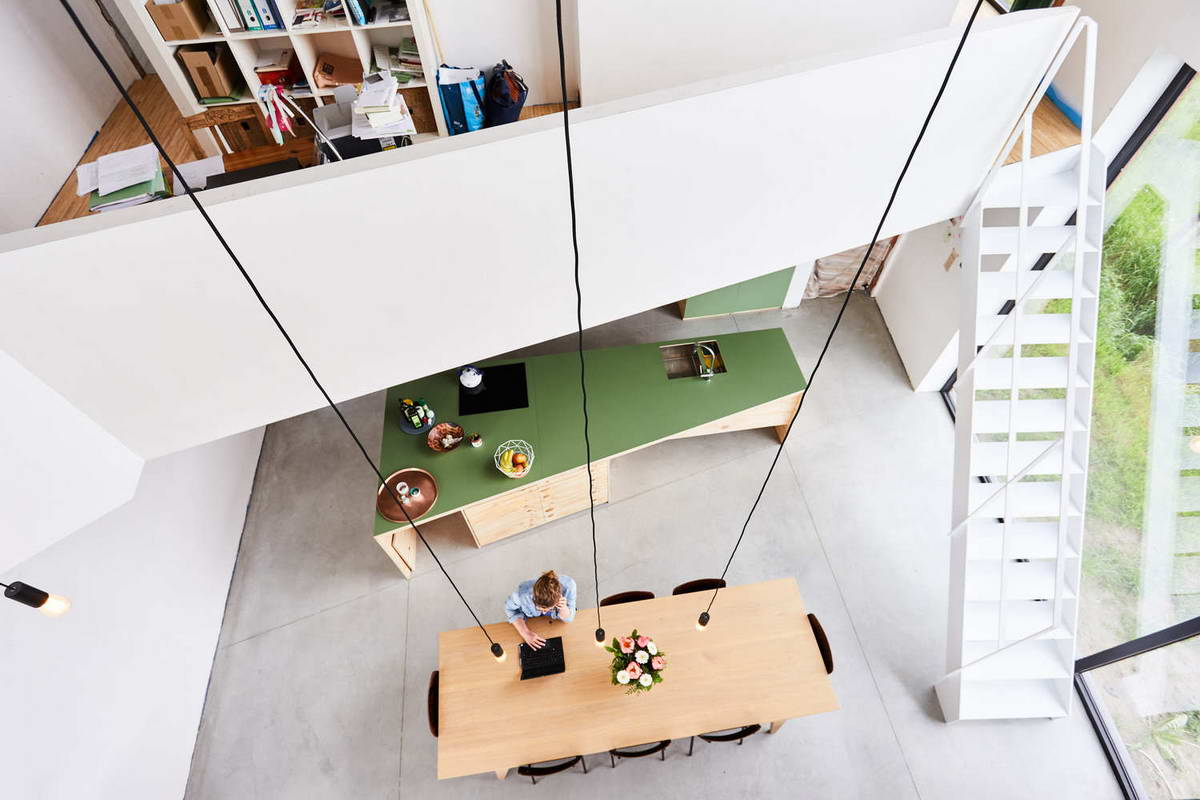 Простой кирпичный дом в Бельгии