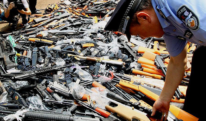 Кто вооружает весь мир: спрос и предложение