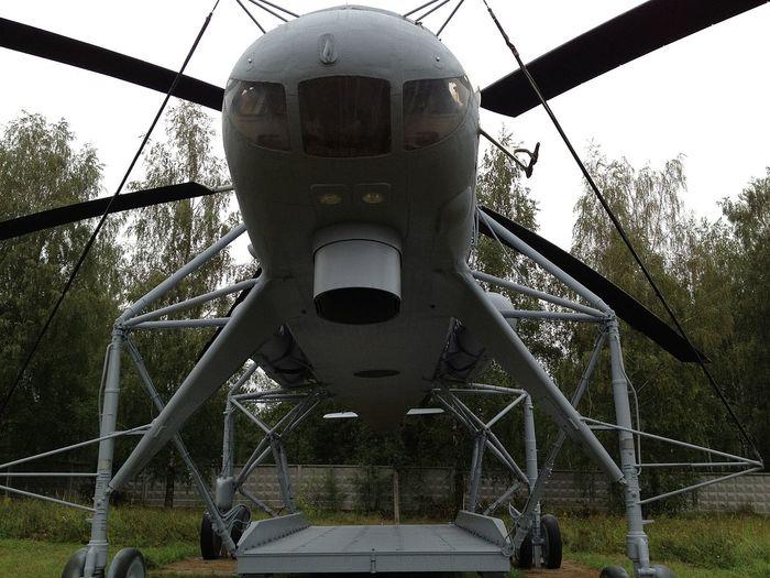 Транспортный вертолет Ми-10 - военный летающий кран