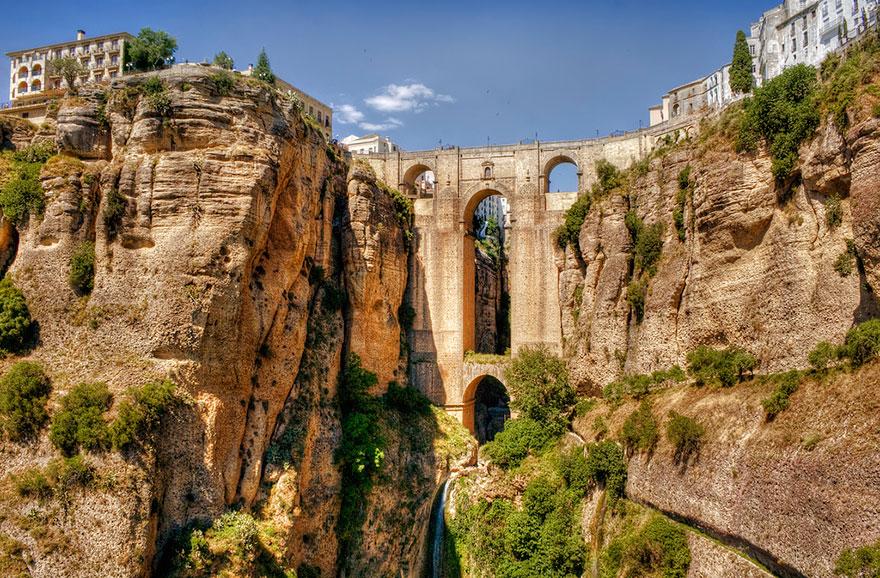Старинные сказочные мосты в реальности