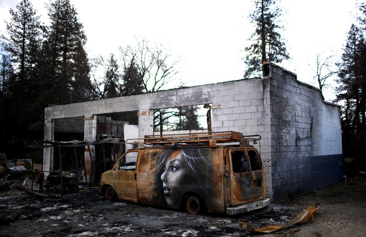 Граффити в сожженном городе Парадайз