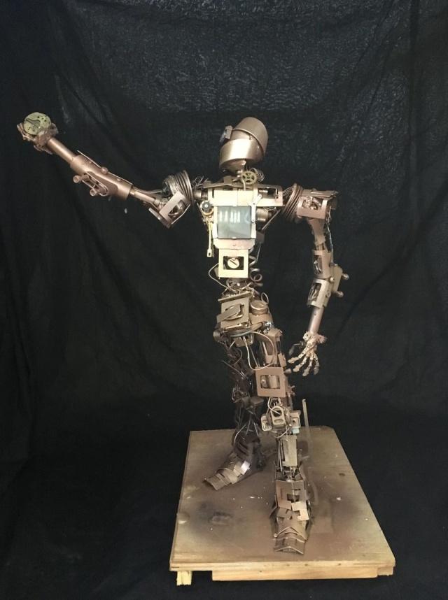 Необычные стимпанк-скульптуры из выброшенных материалов