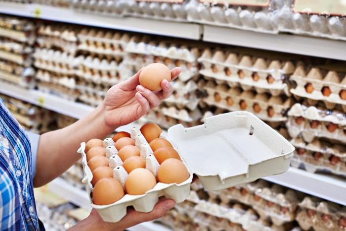 Разница между куриными яйцами белого и коричневого цвета