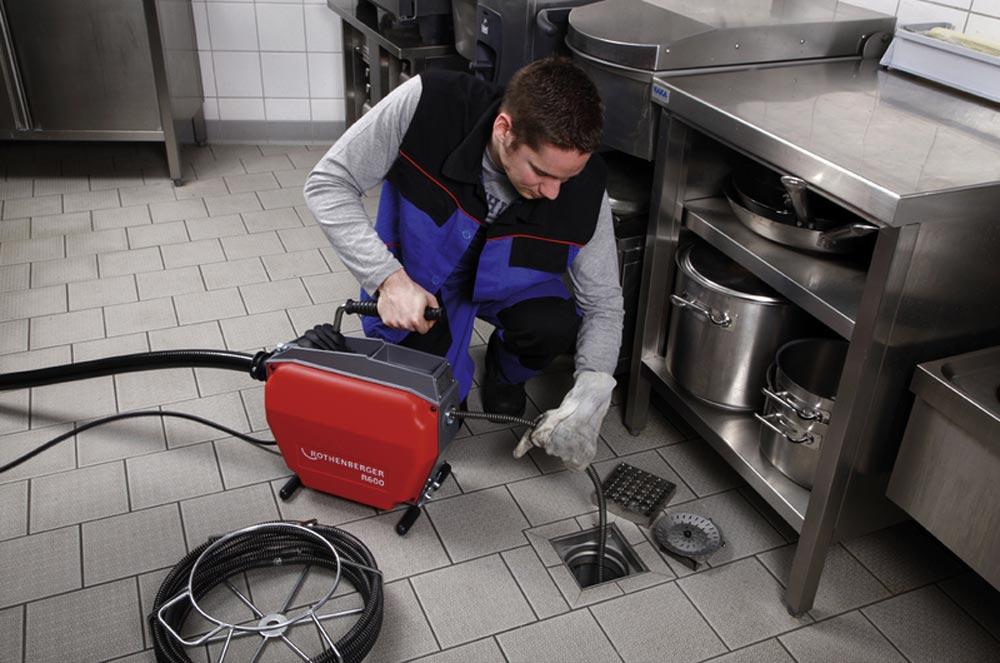 Аварийная прочистка канализации: когда может понадобится