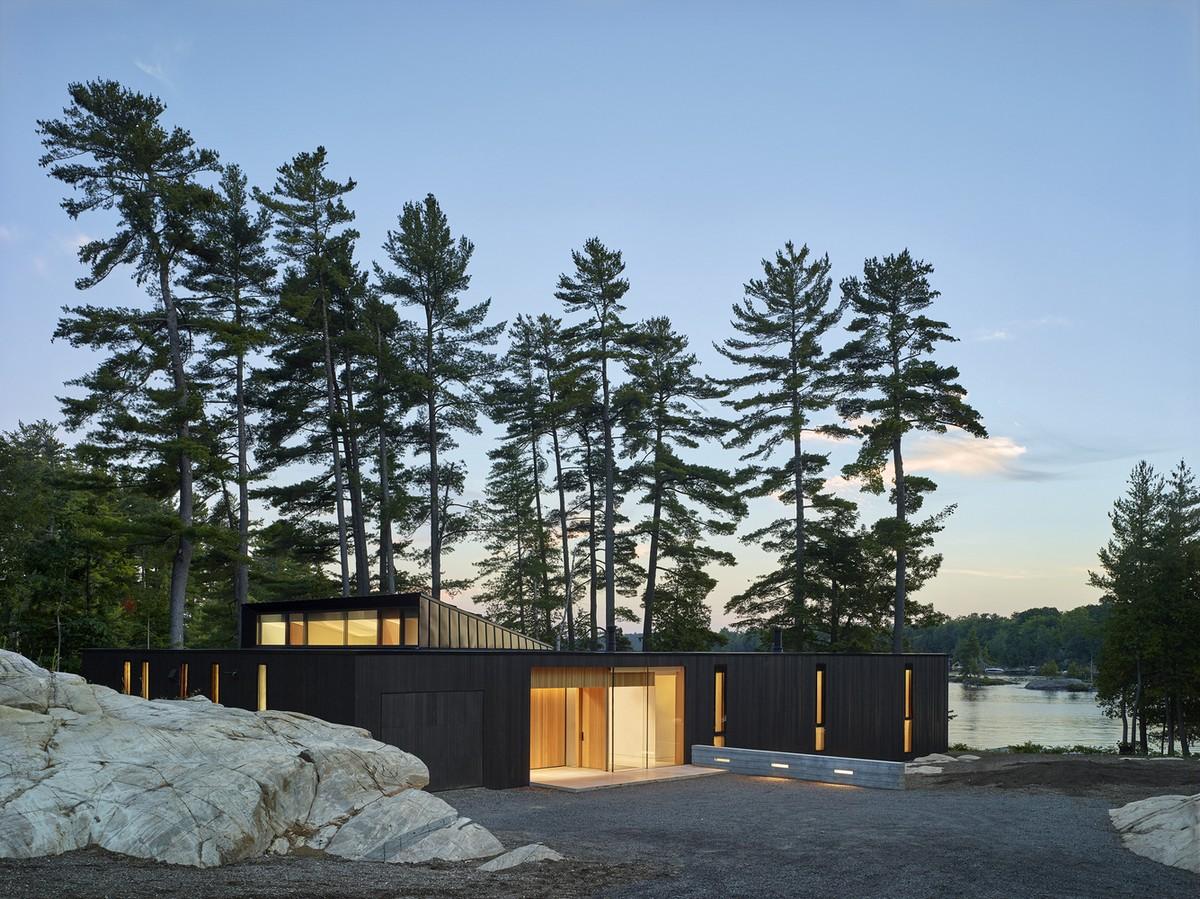 Резиденция у озера в Канаде