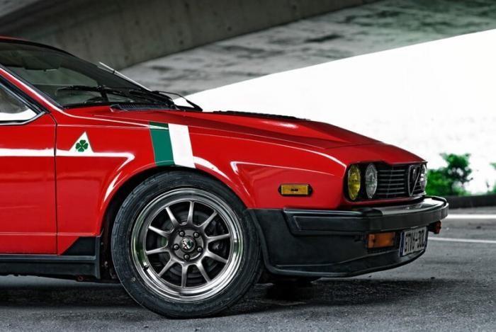 Молодожены восстановили Alfa Romeo GTV6