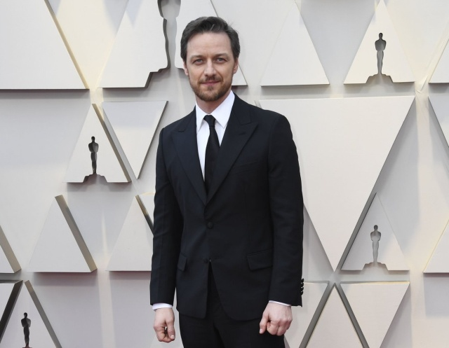 Джеймс Макэвой собирал автографы во время церемонии Оскар