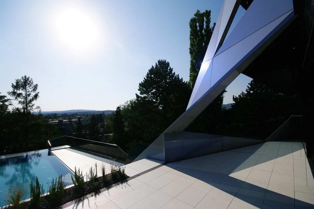 Футуристический дом-кристалл в Вене