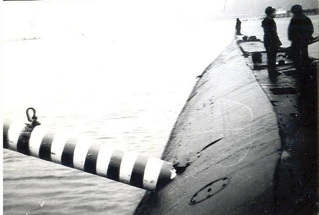 Торпеда, застрявшая в борту советской подводной лодки