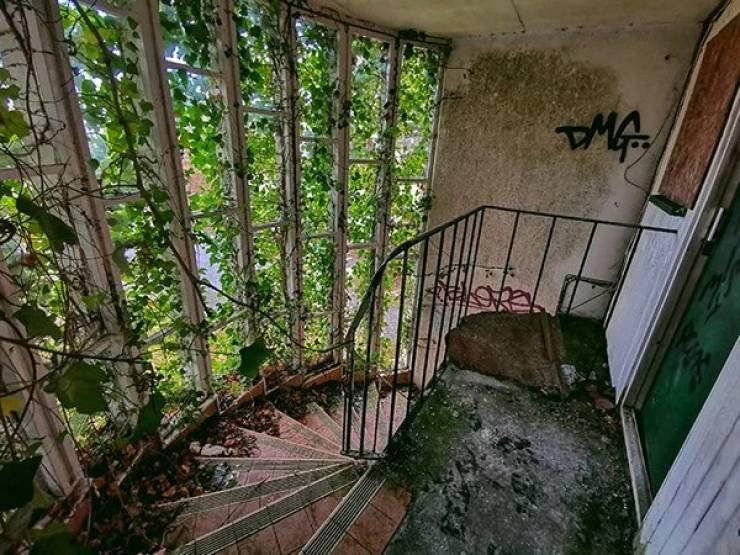 Заброшенные места выглядят жутко и притягательно