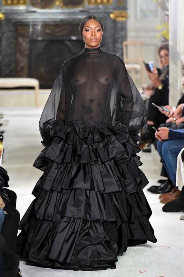 15 смелых и откровенных нарядов прошлых Недель моды