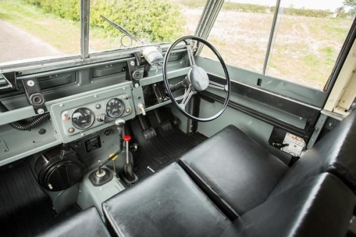 Cuthbertson - очень редкий Land Rover Series II на гусеницах
