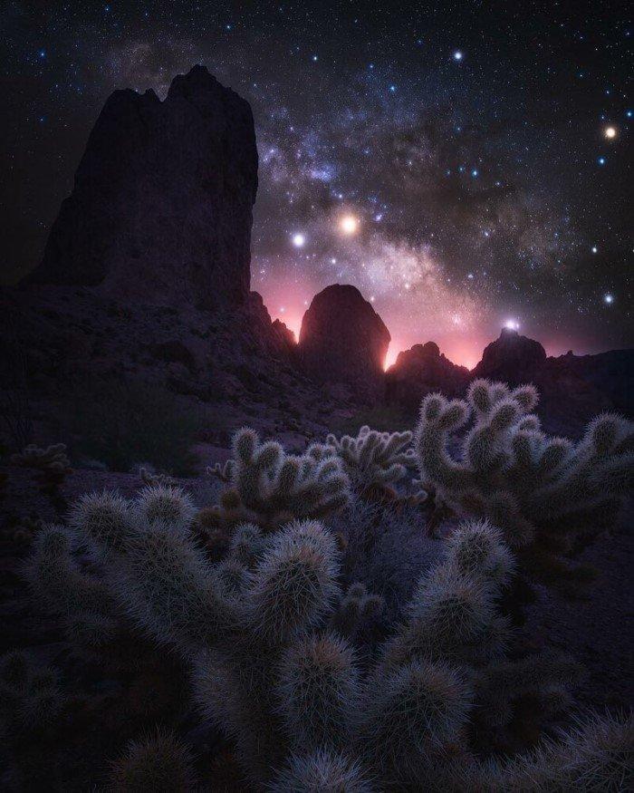 Фотограф превращает обычные ночные пейзажи в инопланетные