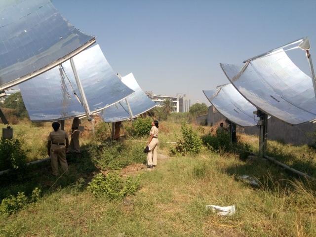 Солнечная паровая кухня в индийской тюрьме