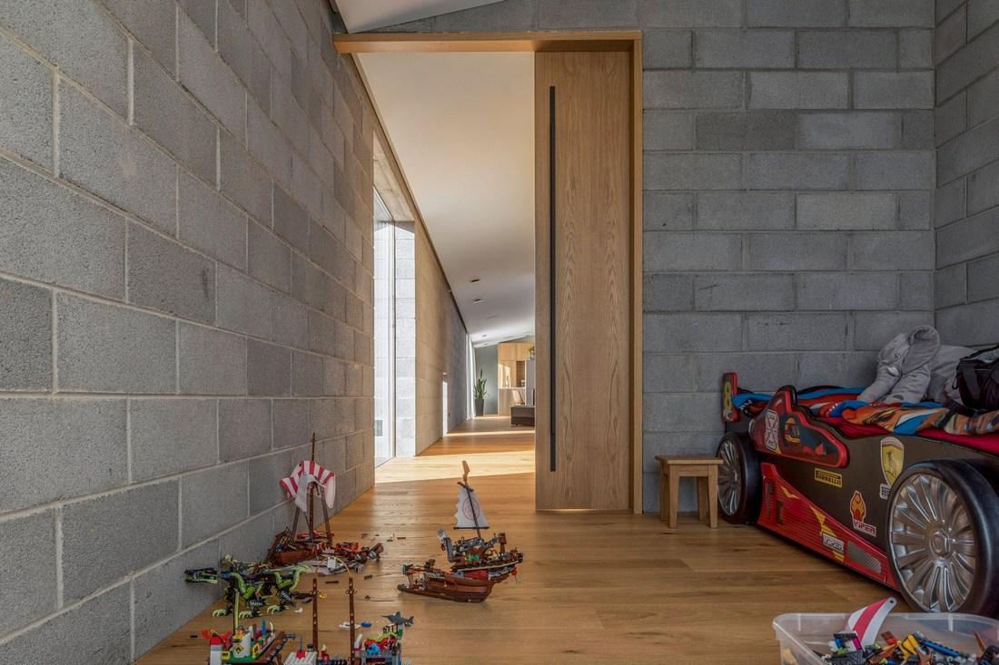 Современный одноэтажный особняк в Литве