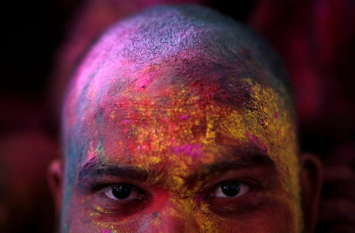 Красочный фестиваль Lathmar Holi в Индии