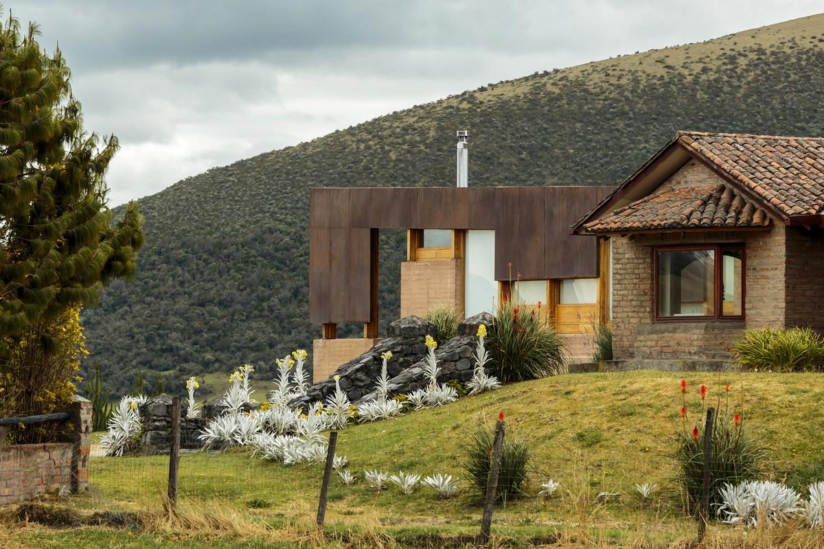 Дом у подножья вулкана Котопахи в Эквадоре