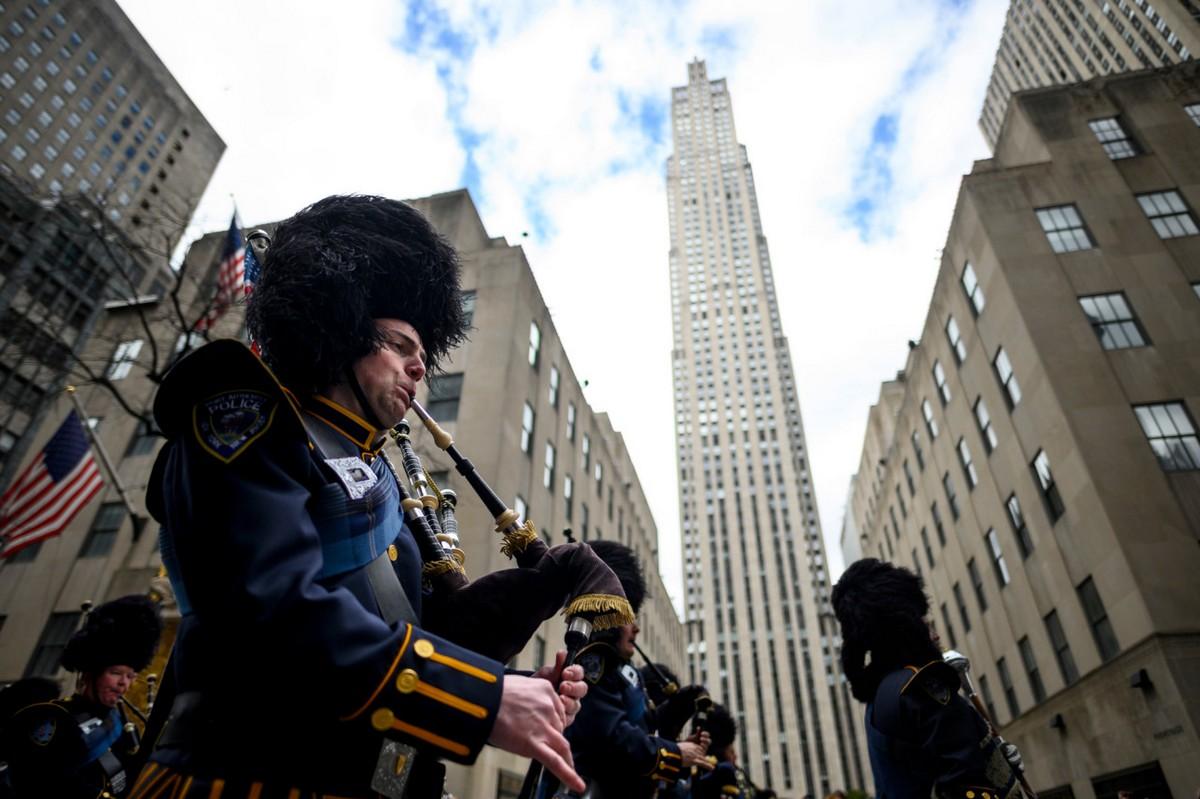 Парад в честь дня Святого Патрика в Нью-Йорке